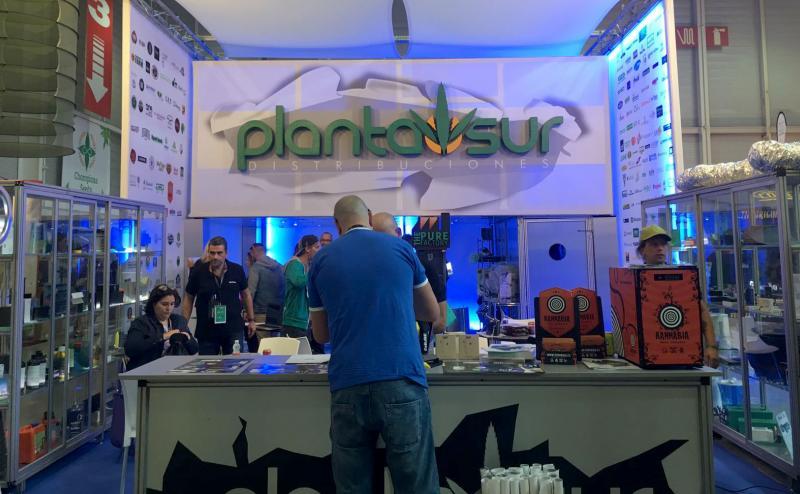 Stand de Plantasur en Expogrow 2017